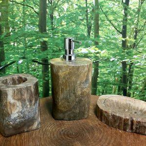 Trio salle de bains Bois pétrifié pompe savon, porte savon et gobelet photo 1, 1 dispo, 79,95$ ship 10,95$