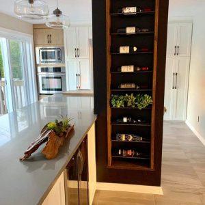 Support pour bouteille de vin Bois et acier 70 x 20 275$ pas de livraison
