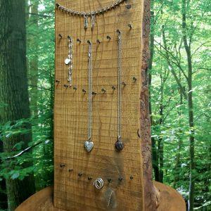 Présentoir bijoux Frêne Photo 1 de 2 Hauteur 21'' 69,95$