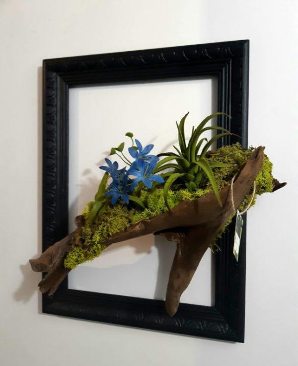 Cadre floral bleu Arrangement floral bois de berge et mousse véritable préservée 49,95$ 12x14 ship 10,95 1 dispo