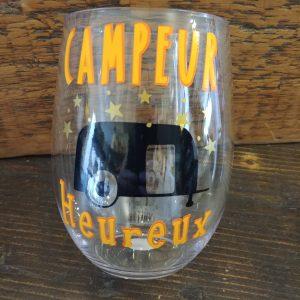 Verre à vin à thématique camping!