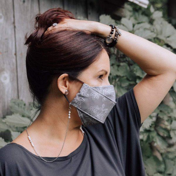 Chaîne pour masque noir